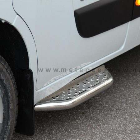 Opel Movano (2010-) – Metec 4x4 Stigtrinn for fordør